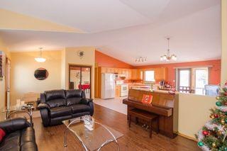 Photo 6: 205 Elm Drive in Oakbank: Single Family Detached for sale : MLS®# 1428748