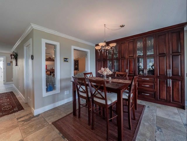 Photo 9: Photos: 2426 Westhill Court Upper in West Vancouver: Westhill House for rent
