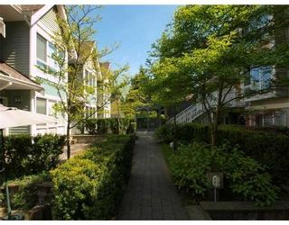 Photo 2: # 15 1027 LYNN VALLEY RD in North Vancouver: Condo for sale : MLS®# V829211
