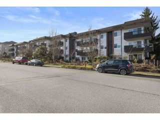 Photo 3: 302 13530 HILTON ROAD in Surrey: Bolivar Heights Condo for sale (North Surrey)  : MLS®# R2546562