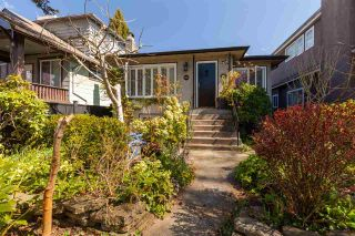 Photo 1: 6016 LARCH Street in Vancouver: Kerrisdale House for sale (Vancouver West)  : MLS®# R2573657