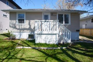 Main Photo: 720 69 Avenue SW in Calgary: Kingsland Detached for sale : MLS®# A1103308
