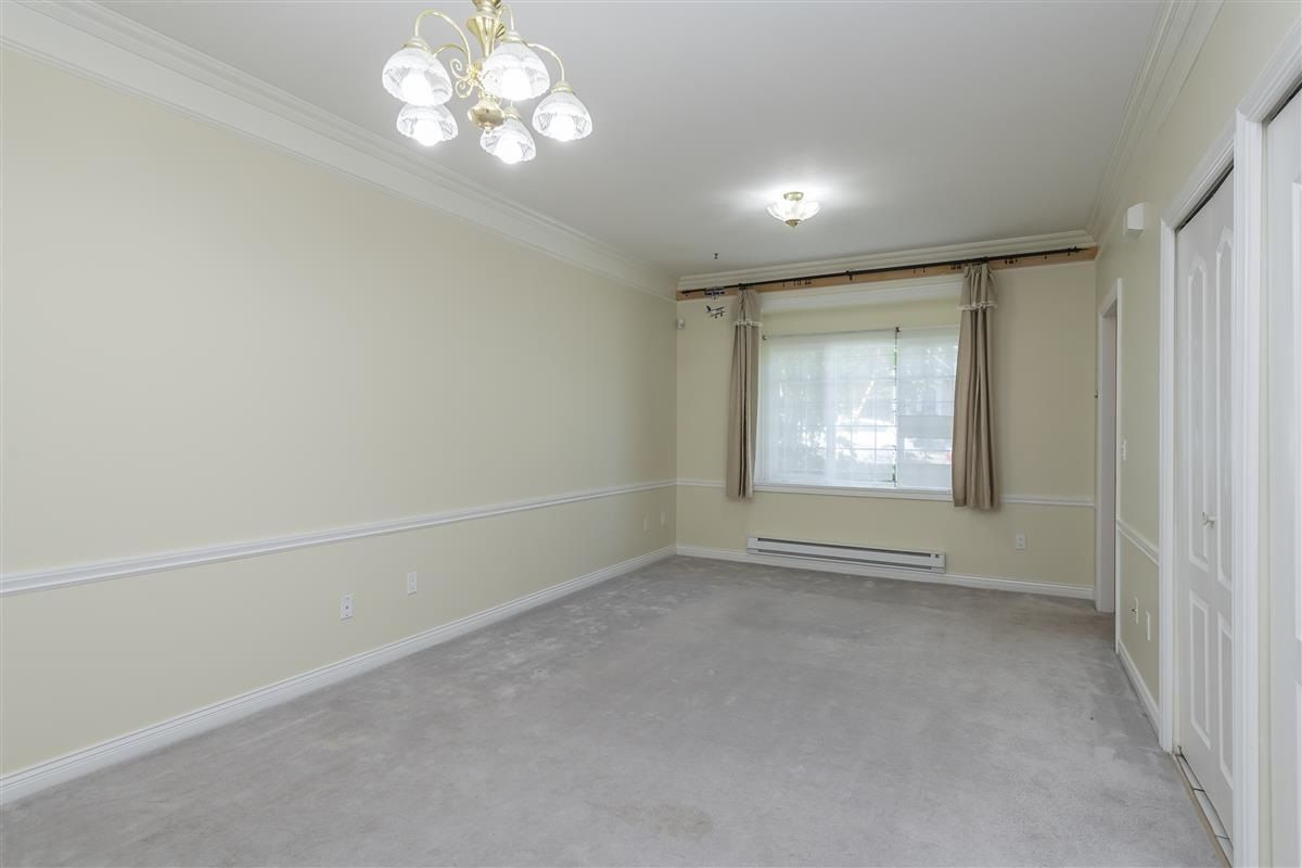 Photo 5: Photos: 3178 GILMORE Avenue in Burnaby: Central BN 1/2 Duplex for sale (Burnaby North)  : MLS®# R2474693
