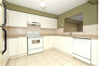 Photo 6: 30 Plantation Court in Whitby: Williamsburg House (2-Storey) for sale : MLS®# E4482636