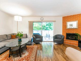 """Photo 2: 1285 EMERY Place in North Vancouver: Lynn Valley Townhouse for sale in """"YORKWOOD PARK"""" : MLS®# R2583782"""