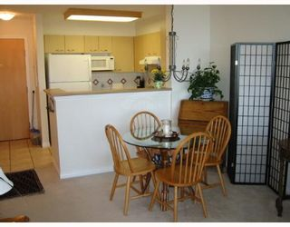 """Photo 3: 903 1575 W 10TH Avenue in Vancouver: Fairview VW Condo for sale in """"THE TRITON"""" (Vancouver West)  : MLS®# V647420"""