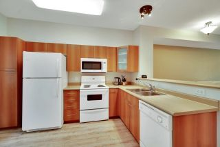 """Photo 2: 30 2000 PANORAMA Drive in Port Moody: Heritage Woods PM Townhouse for sale in """"Mountain's Edge"""" : MLS®# R2597396"""