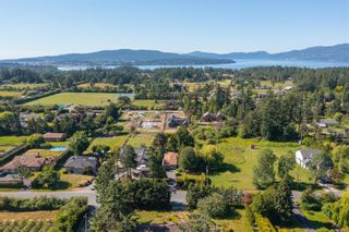 Photo 2: 845 Clayton Rd in : NS Deep Cove House for sale (North Saanich)  : MLS®# 877341