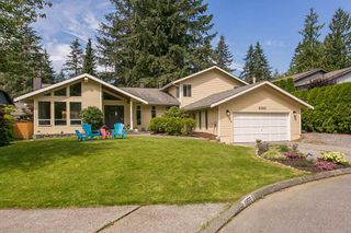 Photo 1: 3383 ROBINSON ROAD in North Vancouver: Lynn Valley House for sale : MLS®# R2096046