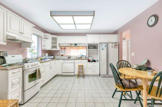 """Photo 2: 16195 10 Avenue in Surrey: King George Corridor House for sale in """"South Meridian"""" (South Surrey White Rock)  : MLS®# R2420726"""