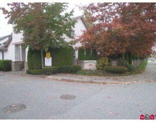 """Photo 1: 38 16155 82ND Avenue in Surrey: Fleetwood Tynehead Townhouse for sale in """"FLEETWOOD OAKS"""" : MLS®# F2830959"""