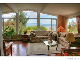Photo 1: 5036 Sunrise Terr in VICTORIA: SE Cordova Bay House for sale (Saanich East)  : MLS®# 743056