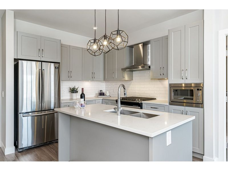 FEATURED LISTING: 412 - 15436 31 Avenue Surrey