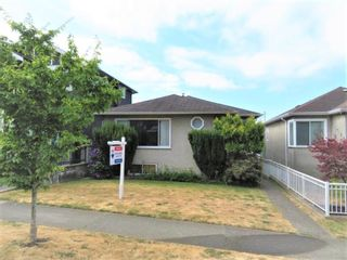 Photo 2: 528 E 56TH Avenue in Vancouver: South Vancouver House for sale (Vancouver East)  : MLS®# R2602364