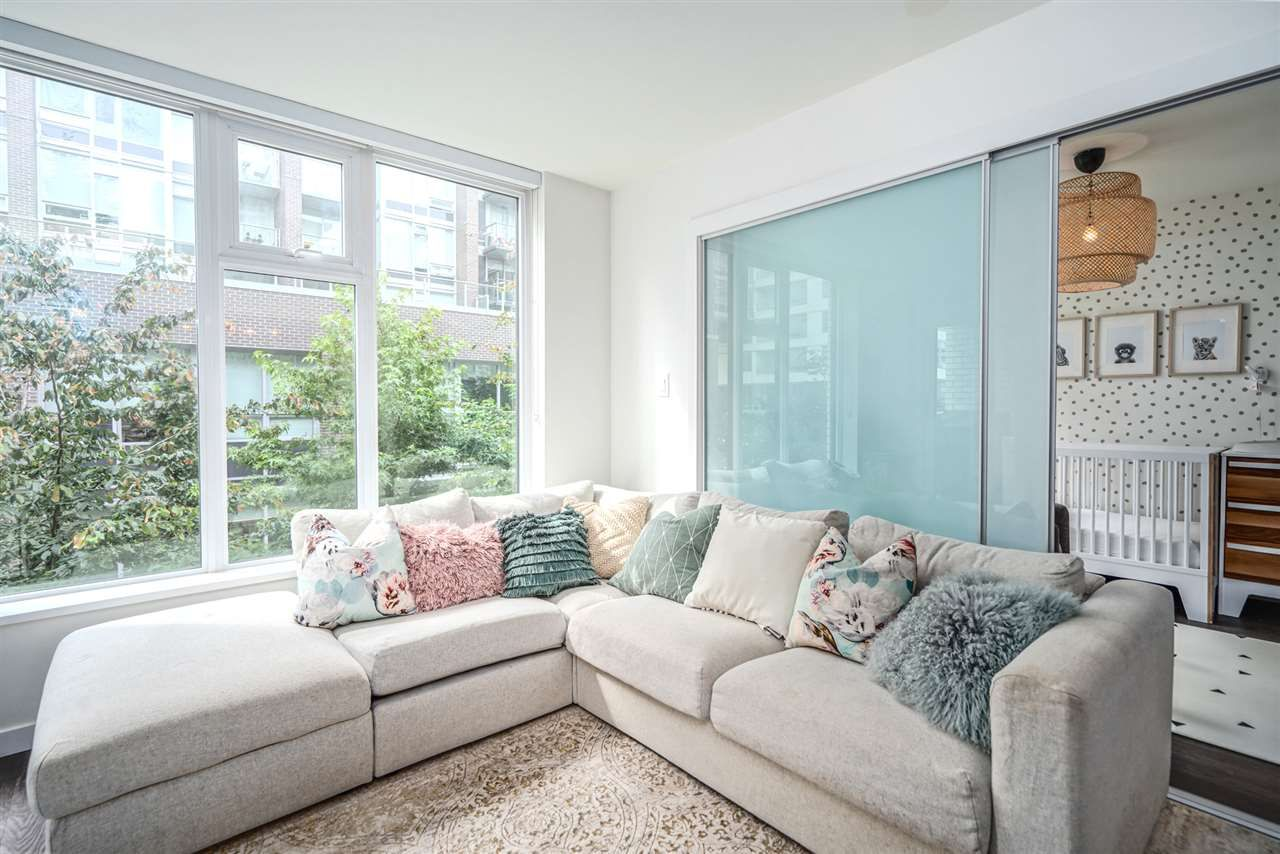 """Main Photo: 521 5598 ORMIDALE Street in Vancouver: Collingwood VE Condo for sale in """"WALL CENTER CENTRAL PARK"""" (Vancouver East)  : MLS®# R2495888"""