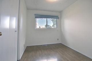 Photo 18: 835 Forest Place SE in Calgary: Forest Heights Detached for sale : MLS®# A1120545