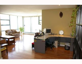 """Photo 3: 701 98 10TH Street in New_Westminster: Downtown NW Condo for sale in """"PLAZA POINTE"""" (New Westminster)  : MLS®# V774706"""