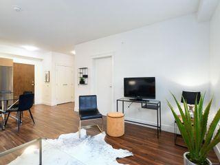 Photo 4: 107 935 Cloverdale Ave in : SE Quadra Condo for sale (Saanich East)  : MLS®# 853912