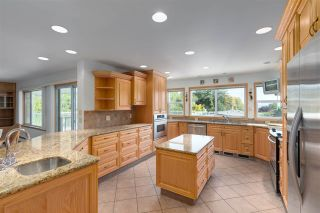 """Photo 11: 14528 SATURNA Drive: White Rock House for sale in """"Upper West White Rock"""" (South Surrey White Rock)  : MLS®# R2483571"""