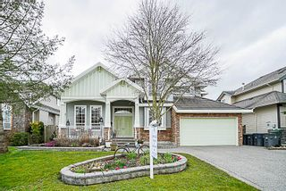 Photo 1: 16660 63A Avenue in Surrey: Cloverdale BC House for sale (Cloverdale)  : MLS®# R2249613