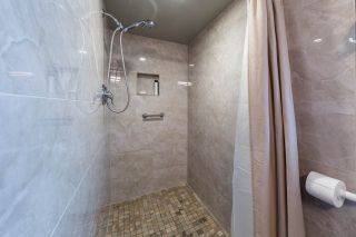 Photo 18: 2158 STIRLING Avenue in Port Coquitlam: Glenwood PQ House for sale : MLS®# R2258483