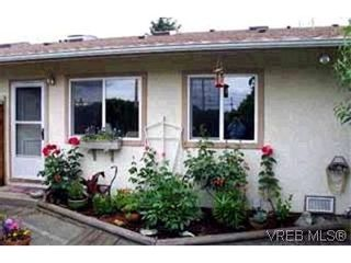Photo 1: 3 974 Dunford Ave in VICTORIA: La Langford Proper Row/Townhouse for sale (Langford)  : MLS®# 314180