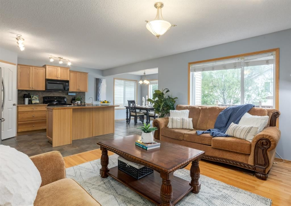 Main Photo: 368 Cranfield Gardens SW in Calgary: Cranston Detached for sale : MLS®# A1118684