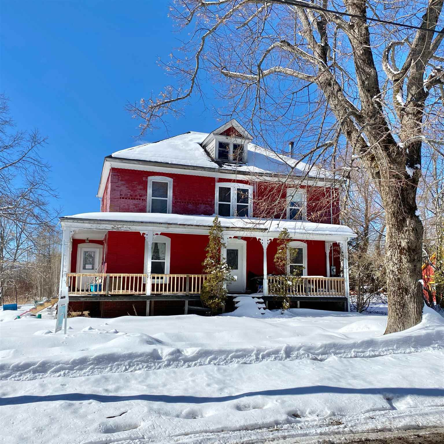 Main Photo: 107 Foster Street in Berwick: 404-Kings County Residential for sale (Annapolis Valley)  : MLS®# 202103136