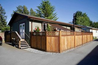 Photo 4: 113 40157 GOVERNMENT Road in Squamish: Garibaldi Highlands Manufactured Home for sale : MLS®# R2591854
