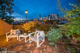 "Photo 19: 1006 IRONWORK PASSAGE in Vancouver: False Creek Townhouse for sale in ""Marine Mews"" (Vancouver West)  : MLS®# R2420267"