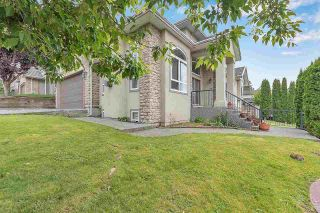 Photo 3: 7685 145 Street in Surrey: East Newton House for sale : MLS®# R2590181