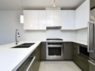 """Photo 6: 2103 3080 LINCOLN Avenue in Coquitlam: North Coquitlam Condo for sale in """"1123 Westwood"""" : MLS®# R2533543"""