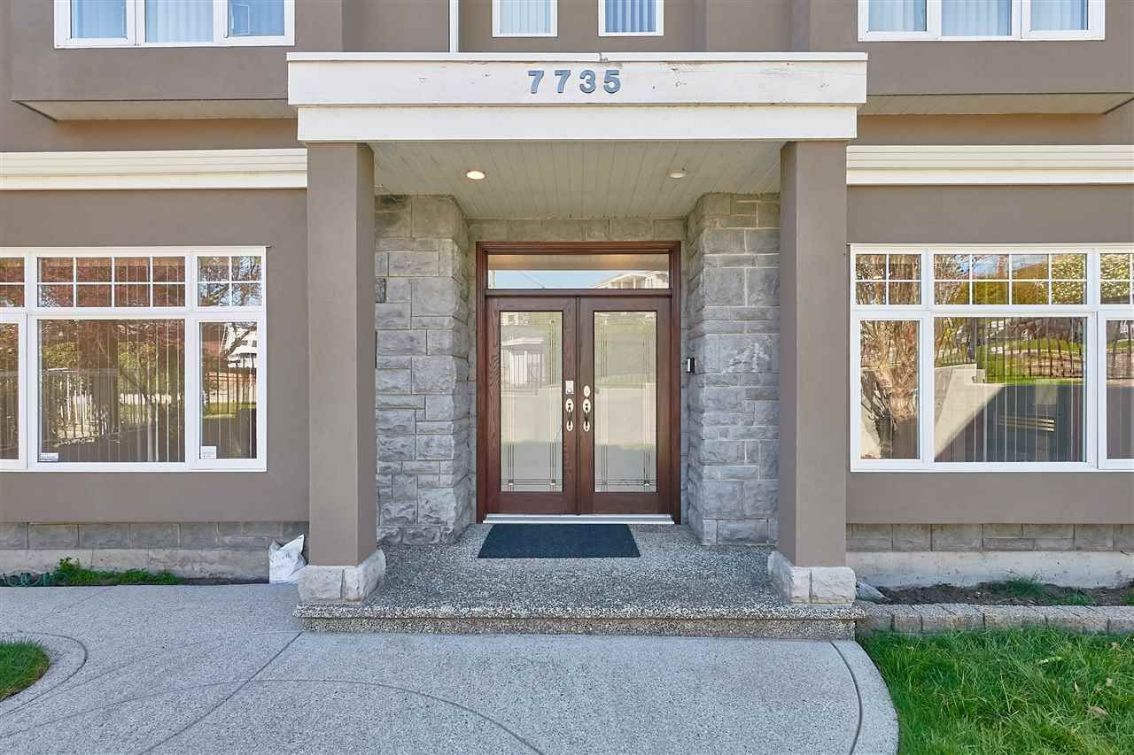 Main Photo: 7735 THORNHILL Drive in Vancouver: Fraserview VE House for sale (Vancouver East)  : MLS®# R2566355