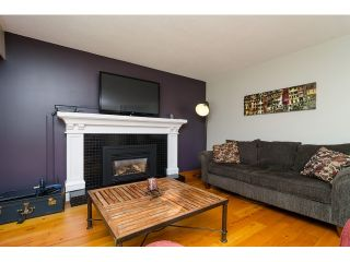 Photo 6: 15871 THRIFT Avenue: White Rock House for sale (South Surrey White Rock)  : MLS®# R2057585