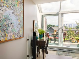 """Photo 6: 832 W 7TH Avenue in Vancouver: Fairview VW Townhouse for sale in """"Casa del Arroyo"""" (Vancouver West)  : MLS®# R2274661"""