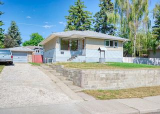 Main Photo: 107 Holly Street NW in Calgary: Highwood Detached for sale : MLS®# A1137507