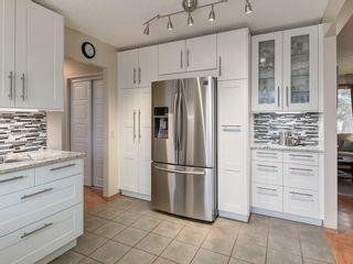 Photo 16: 512 OAKWOOD Place SW in Calgary: Oakridge Detached for sale : MLS®# C4264925