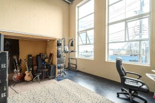 """Photo 9: 212 1220 E PENDER Street in Vancouver: Mount Pleasant VE Condo for sale in """"THE WORKSHOP"""" (Vancouver East)  : MLS®# R2053903"""