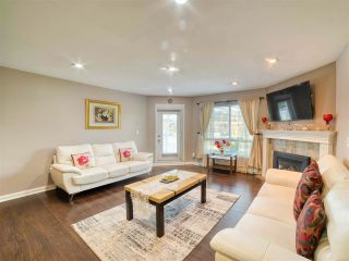 """Photo 3: 401 13680 84 Avenue in Surrey: Bear Creek Green Timbers Condo for sale in """"Trails at BearCreek"""" : MLS®# R2503908"""