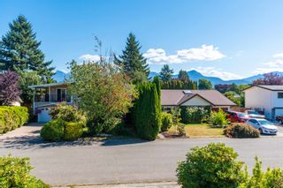 Photo 4: 45352 LENORA Crescent in Chilliwack: Chilliwack W Young-Well House for sale : MLS®# R2615395