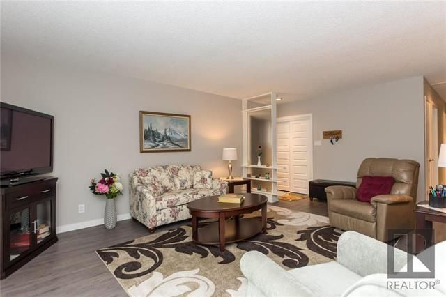 Photo 4: Photos: 56 Fontaine Crescent in Winnipeg: Windsor Park Residential for sale (2G)  : MLS®# 1826901