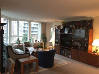 """Photo 6: 701 6152 KATHLEEN Avenue in Burnaby: Metrotown Condo for sale in """"EMBASSY"""" (Burnaby South)  : MLS®# R2318855"""