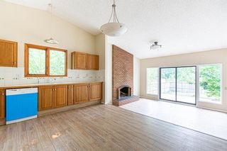 Photo 8: 331 Edgehill Drive NW in Calgary: Edgemont Detached for sale : MLS®# A1140206