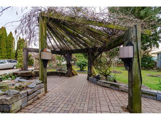 Photo 2: 22169 OLD YALE Road in Langley: Murrayville House for sale : MLS®# R2449578