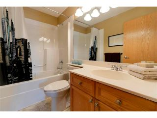 Photo 32: 94 SIMCOE Circle SW in Calgary: Signature Parke House for sale : MLS®# C4006481