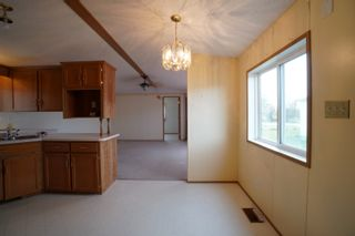 Photo 9: 17 King Crescent in Portage la Prairie RM: House for sale : MLS®# 202112449
