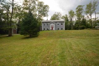Photo 3: 2336 Beaver Bank Road in Beaver Bank: 26-Beaverbank, Upper Sackville Residential for sale (Halifax-Dartmouth)  : MLS®# 201821397
