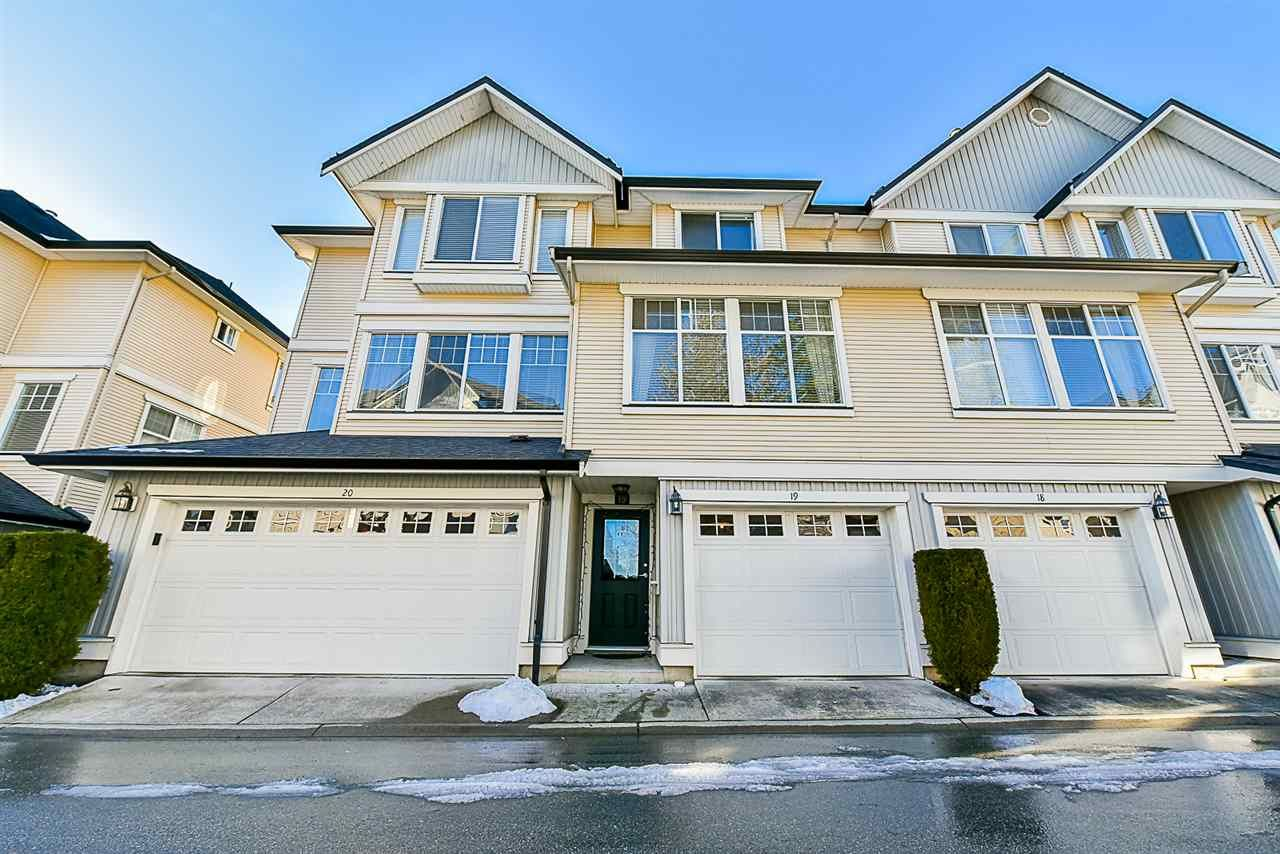Main Photo: 19 8383 159 STREET in Surrey: Fleetwood Tynehead Townhouse for sale : MLS®# R2138341