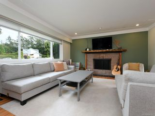 Photo 3: 679 Vanalman Ave in Saanich: SW Northridge House for sale (Saanich West)  : MLS®# 844157