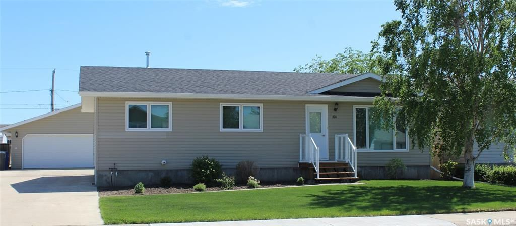 Main Photo: 106 Wells Place West in Wilkie: Residential for sale : MLS®# SK859759